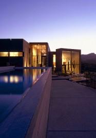 Dry landscape house
