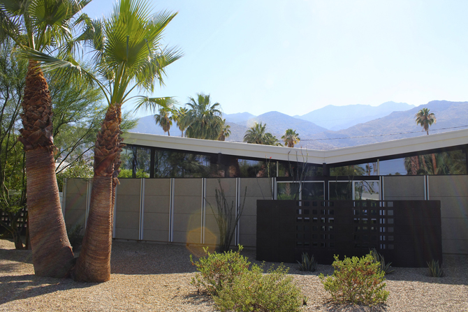 Krisel Butterfly Roof, Palm Springs, CA, Photo by MGPicascio.com